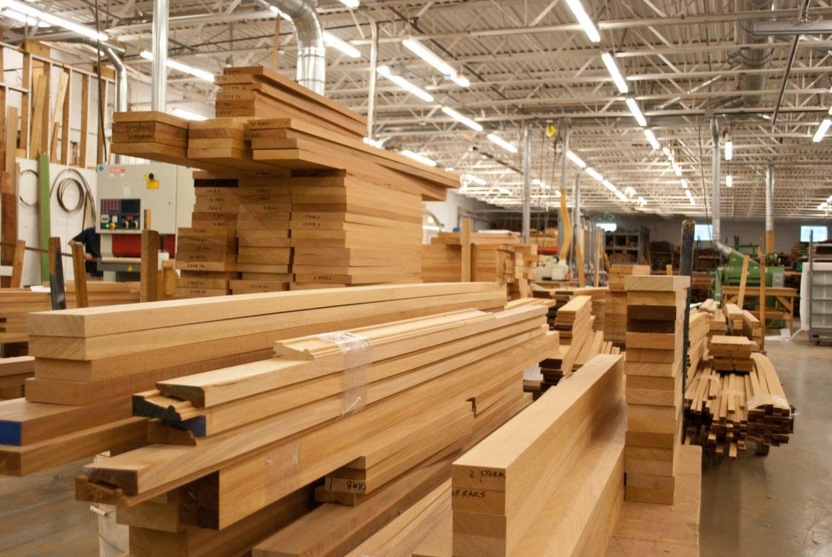 Dịch COVID-19 tiếp tục bùng phát thị trường gỗ trong nước chững lại